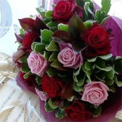 Dozen roses - heart soar